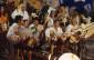 """Les Musclés dans le clip """"Lolaï il attend que sa guitare sèche"""" en 1997 Photo : Thomas Beynon"""