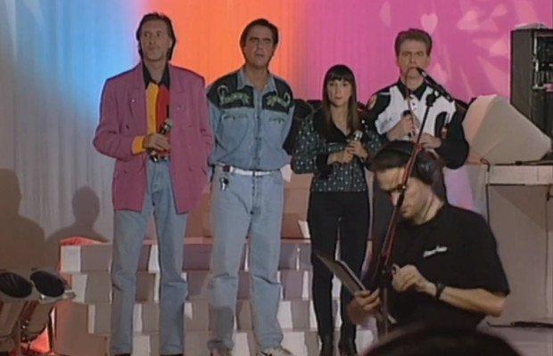 Corbier, Patrick, Ariane et Jacky pendant la publicité au Club Dorothée