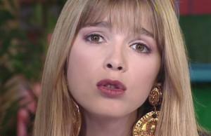 Hélène Rollès dans le clip Trop de souvenirs en 1992
